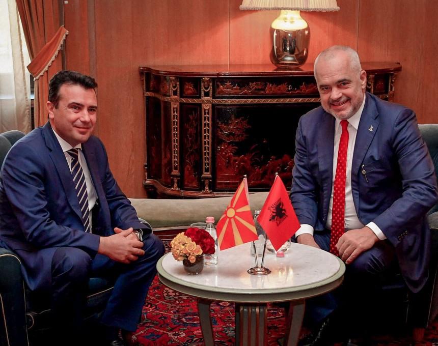 Zaev pjesë e fushatës në Shqipëri: Votoni Edi Ramën