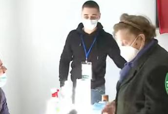 Provon tre herë, por nuk ja del: E moshuara në Vlorë has probleme me identifikimin