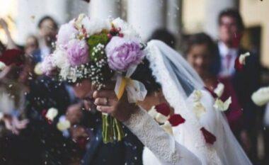 Urdhri i çuditshëm në Maqedoninë e Veriut: Vetëm nusja e dhëndri do të mund të vallëzojnë, dasmorët të rrinë në tavolina