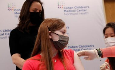 SHBA autorizon vaksinën Pfizer për adoleshentët