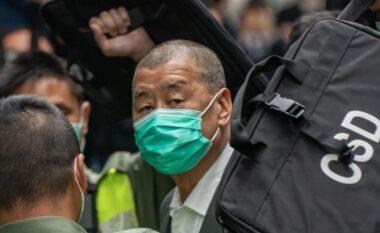 Dënohet me 14 muaj burg bosi i medias Jimmy Lai