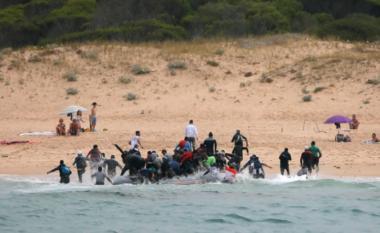 6 000 migrantë mbërrijnë në Spanjë