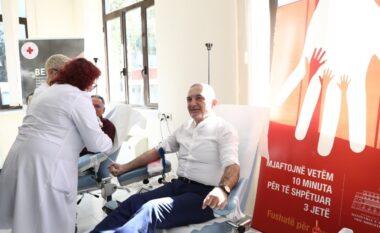 Meta dhuron gjak për të sëmurët me talasemi
