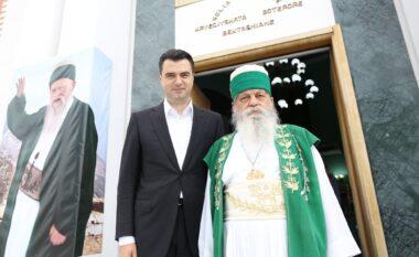 """Gafë e radhës! Basha uron myslimanët për """"Fiter Bajramin""""  në krah të Baba Mondit (FOTO LAJM)"""