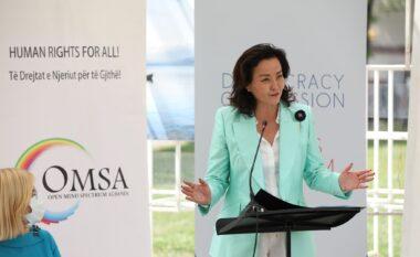 Ambasadorja Kim: Të bashkëpunojmë të gjithë për t'i dhënë fund urrejtjes dhe dhunës ndaj njerëzve LGBTIQ+