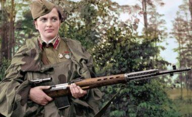 Vrau 309 nazistë kur ishte vetëm 25 vjeç, njihuni me snajperisten më vdekjeprurëse në histori