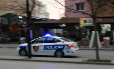DETAJET/ 50-vjeçari u hodh nga autorët në rrugë pas vrasjes, viktima u qëllua pas koke