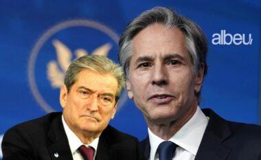 Albeu: Gazetari ironizon deklaratën e Berishës: Mshoji bac, e ki mirë!