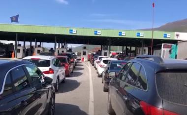 Temperatura të larta! Qytetarët nga Kosova dynden drejt bregdetit shqiptar