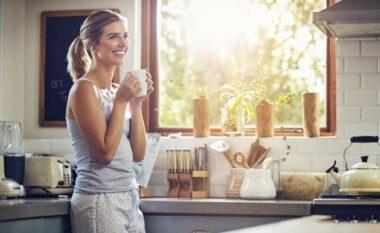 Çfarë ndodh me trupin tuaj nëse anashkaloni një ditë kafen
