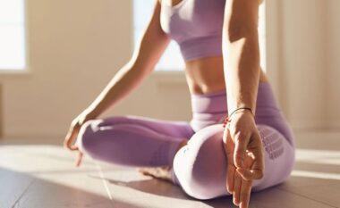 Hiqni qafe dhimbjen e shpinës me 4 ushtrime të thjeshta joge