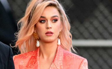 Katy Perry ndryshon ngjyrën e flokëve, shihni sa ndryshe duket (FOTO LAJM)