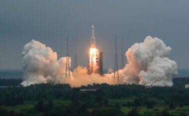 LIVE/  Shihni trajektoren e raketës kineze që po tmerron botën
