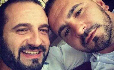 Pak kohë më parë kishte humbur vëllain, postimi prekës i 43 vjeçarit që u vra me breshëri plumbash