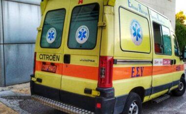 Makina e kthyer përmbys, shqiptari humb jetën në aksidentin tragjik në Greqi