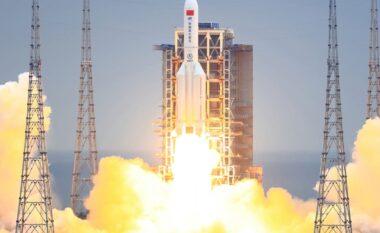 Doli jashtë kontrollit, kur pritet të bjerë në Tokë raketa kineze 18 tonëshe