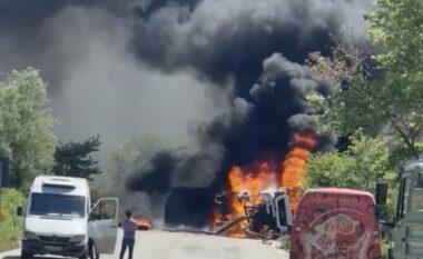 Kamioni u përmbys dhe u shkrumbua në flakë, detajet nga aksidenti në Gjirokastër-Tepelenë