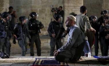 Qindra të plagosur në një xhami në Jeruzalem, pas përleshjeve mes palestinezëve dhe policisë izraelite