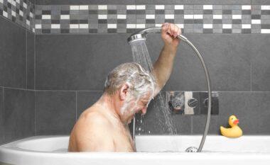 Mos e bëni më këtë gabim! Ja pse nuk duhet të përdorni sapun kur bëni dush