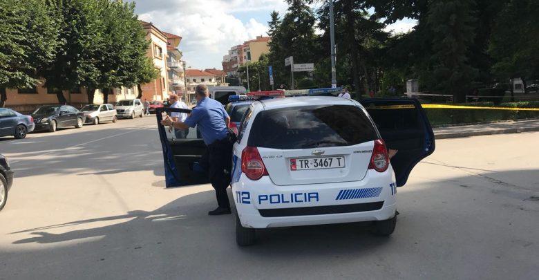 Policia jep detaje për ngjarjen, zbulohet si u plagos 33-vjeçari në Korçë