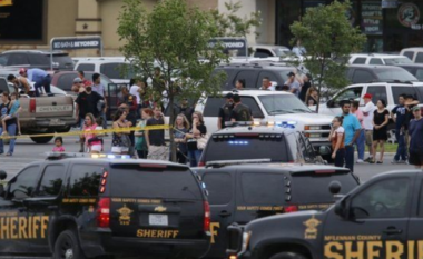"""""""Masakër"""" në SHBA, tre persona futen në koncert dhe qëllojnë drejt turmës"""