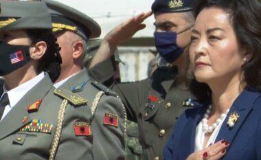 """NATO """"blindon"""" Tiranën, Yuri Kim: Marrëdhënia shqiptaro-amerikane mbi çdo gjë!(FOTO LAJM)"""