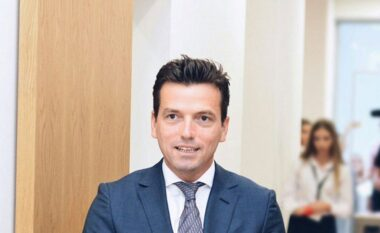 E FUNDIT/ Agron Shehaj kandidon për kryetar të PD