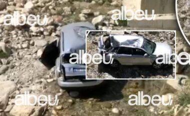 Makina bie nga ura në lumë, plagoset rëndë 28-vjeçarja në Berat