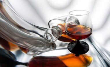 Kujdes! Alkooli dëmton rëndë trurin, edhe në sasi të vogla