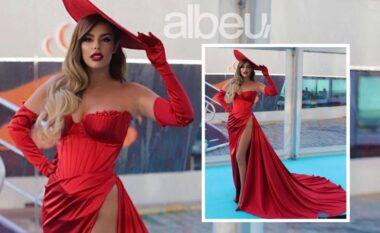 """Shkëlqeu me fustanin e kuq, Anxhela Peristeri merr çmimin e parë nga """"Eurovisioni"""""""