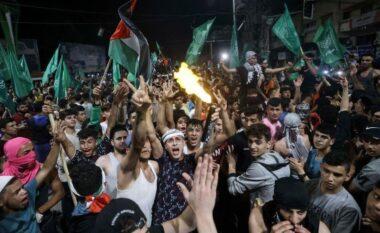 Hyn në fuqi armëpushimi mes Izraelit dhe Hamasit, palestinezët derdhen rrugëve