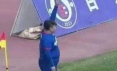 Biznesmeni blen skuadrën, i kërkon trajnerit të aktivizojë të birin 126 kilogramë (FOTO LAJM)