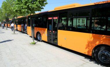 Autobusit i plas goma në ecje, kalimtarja përfundon e plagosur në spital