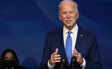 """""""Gafa"""" e presidentit Biden bëhet virale, shton popullsinë me 20 milion banorë"""