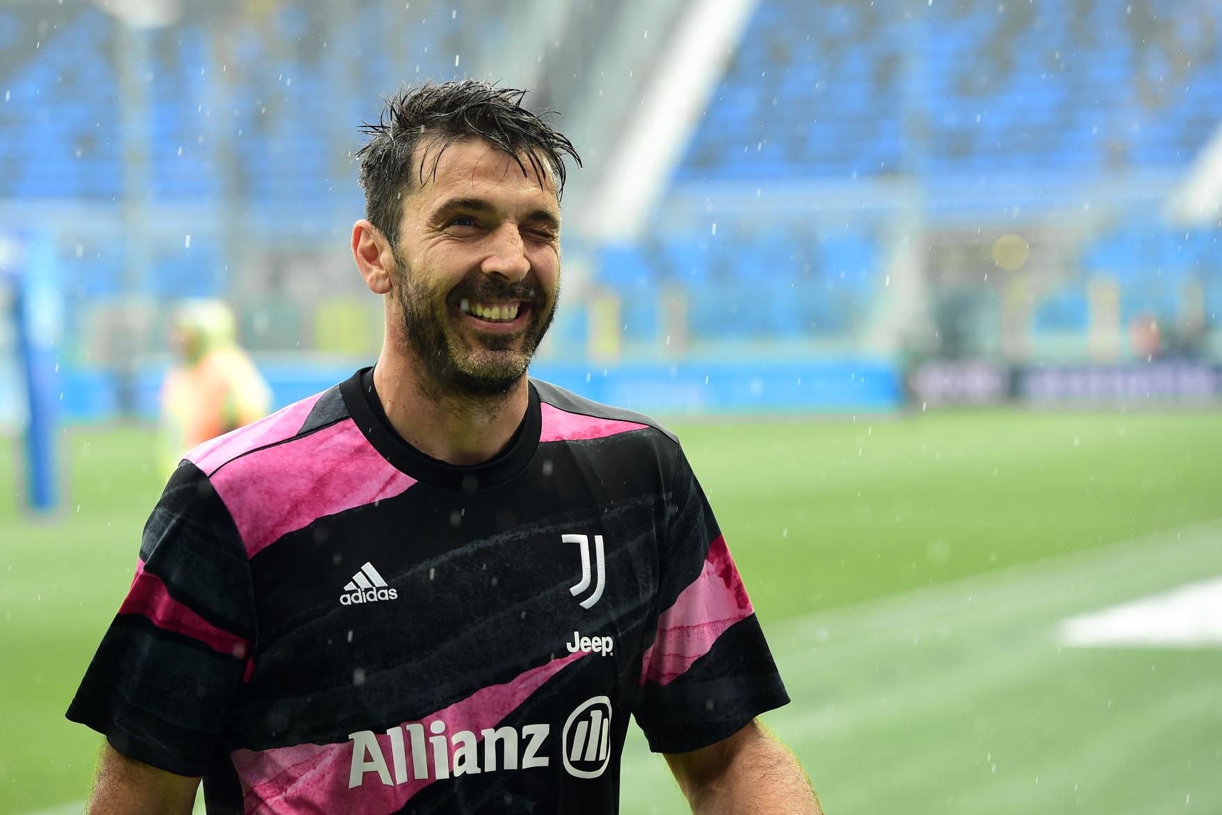 Buffon jep lamtumirën: Në fund të sezonit do të largohem përgjithmonë