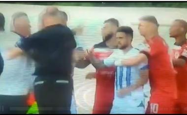 Dhuna në ndeshjen Tirana – Kastrioti, 6 persona shoqërohen në Polici (VIDEO)