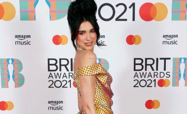 Brit Awards: Dua Lipa si Amy Winehouse, rrëmbeu qendrën e vëmendjes (FOTO LAJM)