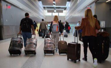 Emigracioni dëmton forcën e punës, 18 mijë të rinj më pak në një vit