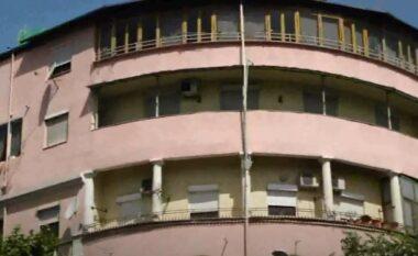 I grabitën shtëpinë te Shallvaret: Pronari, një efektiv policie