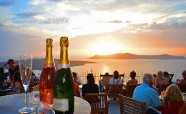 Greqia hap baret dhe restorantet