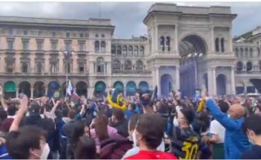 """Interi kampion pas një dekade, mijëra tifozë """"derdhen"""" në qytet për të festuar (VIDEO)"""