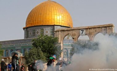 Jeruzalemi nuk gjen paqe as pas armëpushimit, sërish përplasjenë xhaminë Al-Aqsa