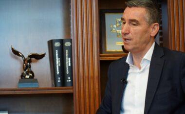 Kadri Veseli shkon sërish në Mitrovicë për të vizituar babain e tij (VIDEO)