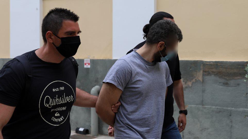 """Historia e frikshme e shqiptarit në Greqi: Vrau komshiun se i kishte """"bërë"""" magji, shkak trauma në fëmijëri"""