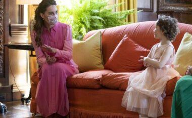Kate vesh fustan rozë për vogëlushen me leucemi që donte të takonte një princeshë