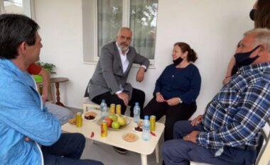 """""""Duan të luftojnë komunizmin"""", Rama i drejtohet të riut: Më mirë të bësh piktura se të luash bingo (VIDEO)"""