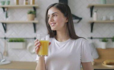 Pse nuk duhet të pimë lëng portokalli në stomak bosh