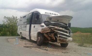 Humb jetën shoferi, aksidentohet minibusi plot shqiptarë në Bullgari