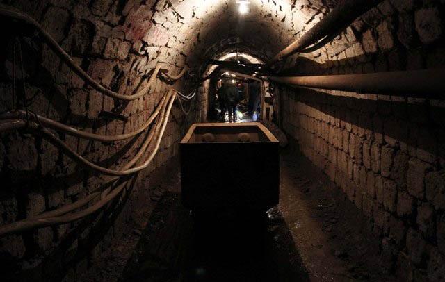 Incidenti brenda minierës në Martanesh: Punonjësit janë asfiksuar nga gazi, minatori niset me helikopter drejt Tiranës