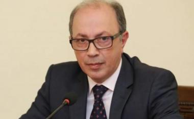 Tensionet me Azerbajxhanin, jep dorëheqjen ministri armen i Mbrojtjes
